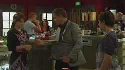 Summer Hoyland, Paul Robinson, Susan Kennedy in Neighbours Episode 6378