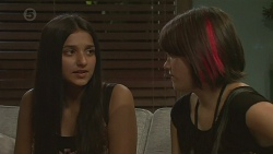 Rani Kapoor, Sophie Ramsay in Neighbours Episode 6393