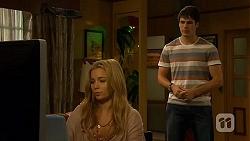 Natasha Williams, Chris Pappas in Neighbours Episode 6408
