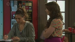 Jade Mitchell, Kate Ramsay in Neighbours Episode 6416