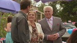 Paul Robinson, Dawn Ballantyne, Lou Carpenter in Neighbours Episode 6417