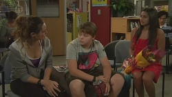 Jade Mitchell, Callum Jones, Rani Kapoor in Neighbours Episode 6418