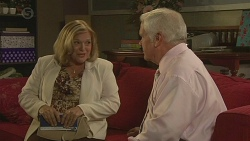 Dawn Ballantyne, Lou Carpenter in Neighbours Episode 6418