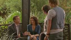 Paul Robinson, Zoe Alexander, Sophie Ramsay, Andrew Robinson in Neighbours Episode 6419