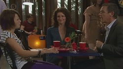 Sophie Ramsay, Zoe Alexander, Paul Robinson in Neighbours Episode 6419