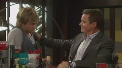 Andrew Robinson, Paul Robinson in Neighbours Episode 6419