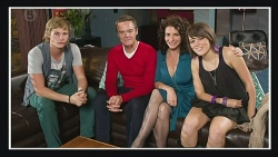 Andrew Robinson, Paul Robinson, Zoe Alexander, Sophie Ramsay in Neighbours Episode 6420