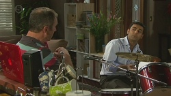 Karl Kennedy, Ajay Kapoor in Neighbours Episode 6420