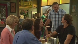 Pam Wright, Keith Wright, Kate Ramsay, Karl Kennedy, Kyle Canning in Neighbours Episode 6421