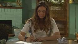 Jade Mitchell in Neighbours Episode 6421