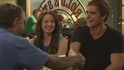 Keith Wright, Kate Ramsay, Kyle Canning in Neighbours Episode 6421