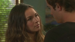 Jade Mitchell, Kyle Canning in Neighbours Episode 6422
