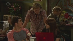 Chris Pappas, Andrew Robinson, Summer Hoyland in Neighbours Episode 6424