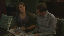Sophie Ramsay, Paul Robinson in Neighbours Episode 6425