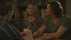 Rhys Lawson, Hayley Coulter, Lucas Fitzgerald in Neighbours Episode 6425