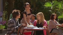 Ed Lee, Vanessa Villante, Natasha Williams in Neighbours Episode 6427