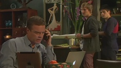 Paul Robinson, Andrew Robinson, Chris Pappas in Neighbours Episode 6427
