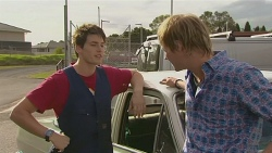 Chris Pappas, Andrew Robinson  in Neighbours Episode 6428