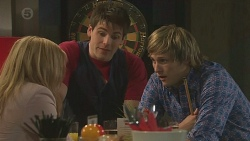 Natasha Williams, Chris Pappas, Andrew Robinson  in Neighbours Episode 6428