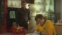 Rhys Lawson, Kyle Canning  in Neighbours Episode 6428
