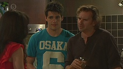 Vanessa Villante, Chris Pappas, Lucas Fitzgerald in Neighbours Episode 6429
