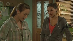 Sonya Mitchell, Jade Mitchell in Neighbours Episode 6430