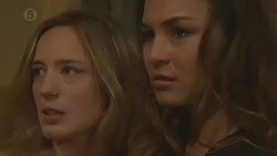 Sonya Mitchell, Jade Mitchell in Neighbours Episode 6431