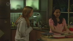 Sonya Mitchell, Vanessa Villante in Neighbours Episode 6432