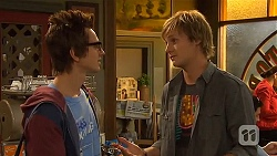 Ed Lee, Andrew Robinson in Neighbours Episode 6434