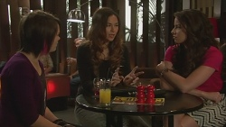 Sophie Ramsay, Jade Mitchell, Kate Ramsay in Neighbours Episode 6437