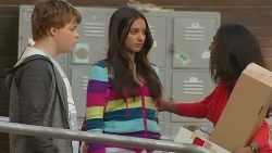 Callum Jones, Rani Kapoor, Priya Kapoor in Neighbours Episode 6437