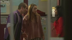 Toadie Rebecchi, Sonya Mitchell, Priya Kapoor in Neighbours Episode 6437