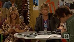 Natasha Williams, Andrew Robinson, Ed Lee in Neighbours Episode 6438