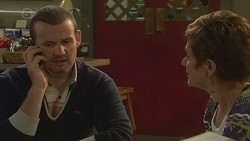 Toadie Rebecchi, Susan Kennedy in Neighbours Episode 6439
