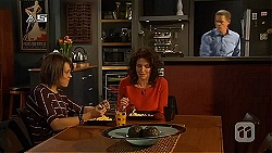 Sophie Ramsay, Zoe Alexander, Paul Robinson in Neighbours Episode 6440