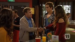 Kate Ramsay, Keith Wright, Kyle Canning, Jade Mitchell in Neighbours Episode 6440