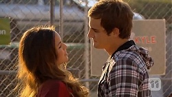 Jade Mitchell, Kyle Canning in Neighbours Episode 6440