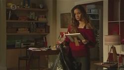 Jade Mitchell in Neighbours Episode 6442