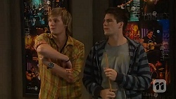 Andrew Robinson, Chris Pappas in Neighbours Episode 6443