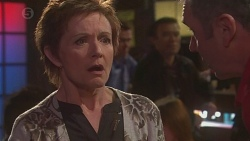 Summer Hoyland, Karl Kennedy in Neighbours Episode 6444