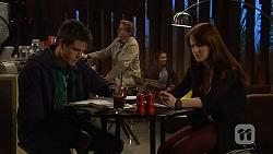 Chris Pappas, Summer Hoyland in Neighbours Episode 6448