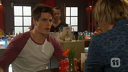 Chris Pappas, Andrew Robinson in Neighbours Episode 6449