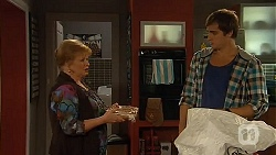 Sheila Canning, Kyle Canning in Neighbours Episode 6449