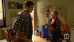 Kyle Canning, Sheila Canning in Neighbours Episode 6449