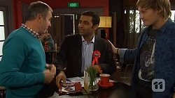 Karl Kennedy, Ajay Kapoor, Andrew Robinson in Neighbours Episode 6450
