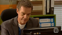 Paul Robinson in Neighbours Episode 6450