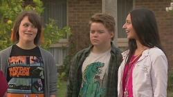 Sophie Ramsay, Callum Jones, Rani Kapoor in Neighbours Episode 6454
