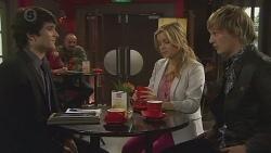 Matt Plath, Natasha Williams, Andrew Robinson in Neighbours Episode 6454