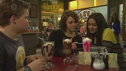 Callum Jones, Sophie Ramsay, Rani Kapoor in Neighbours Episode 6457