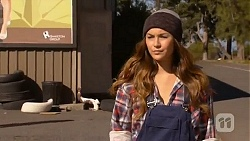 Jade Mitchell in Neighbours Episode 6458